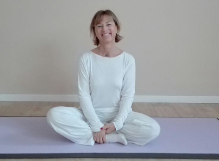 """Con lo yoga """"Disfatti amano"""""""