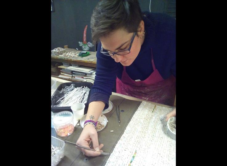 La storia del mosaico rivive con Giada a Borgo Campidoglio