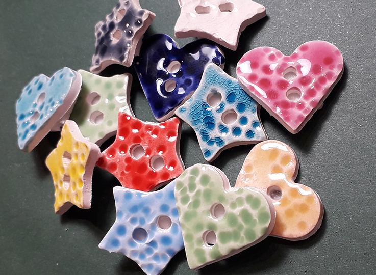 """Bottoni in ceramica """"fatti amano"""""""