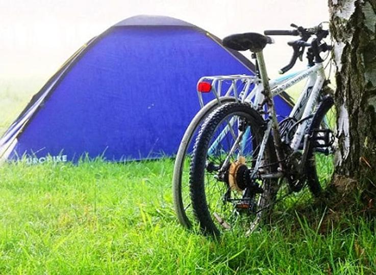 Campeggio estivo in bicicletta