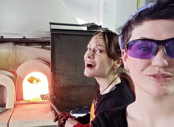 El Cocal, la fornace al femminile che reinterpreta l'arte del vetro soffiato
